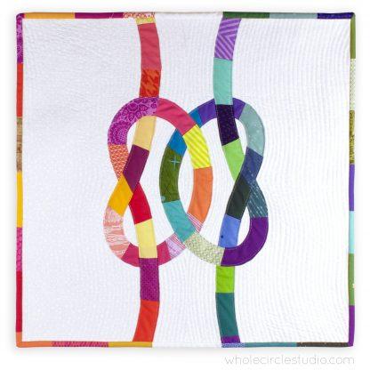 Double Friendship Knots mini quilt by Whole Circle Studio